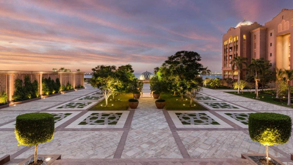 Emirates Palace - außen 2