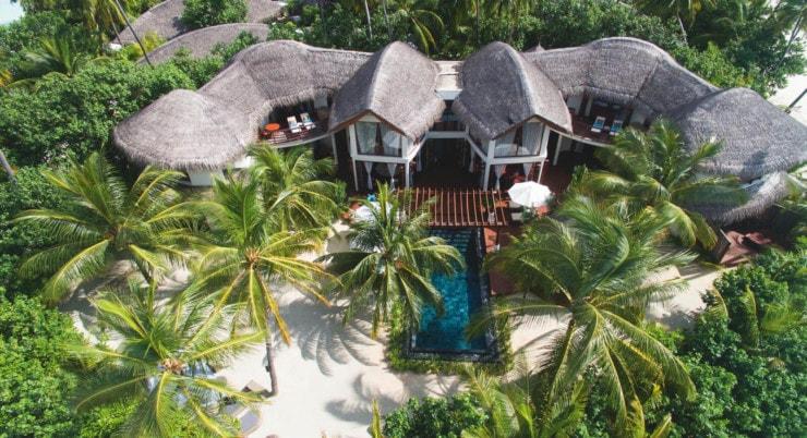Halaveli Resort - villa zwischen palmen