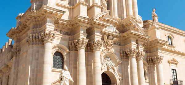 the-cathedral-of-syracuse-in-sicily-P2PT5Q4