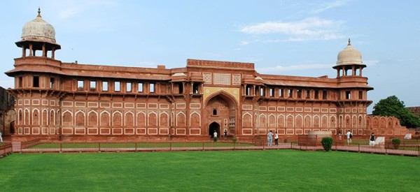 Agra Fort 724 x 426