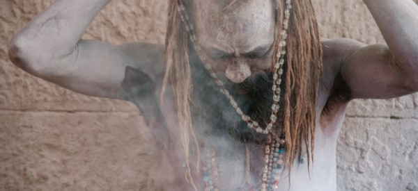 sadhu-in-varanasi_t20_nodAEn